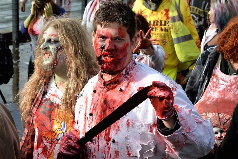 germanii-zombi-parad-eto-interesno-poznavatelno-kartinki_8865129810