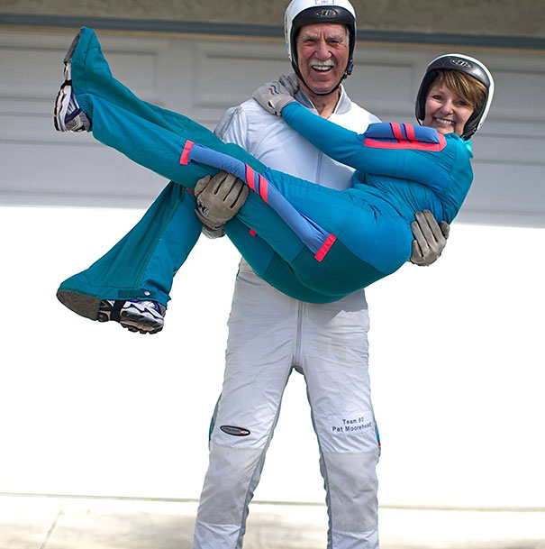 pat-and-alicia-moorehead-81and-66-year-old-skydivers