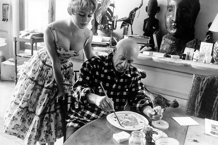 Brigitte Bardot Pablo Picasso In His Studio In Vallauris (1956)