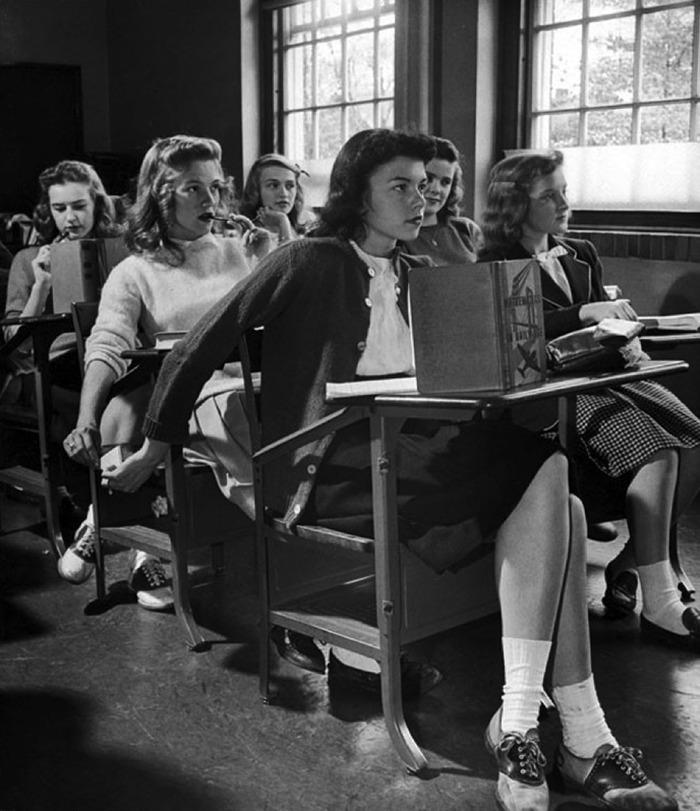 Teen Fashion In 1950s