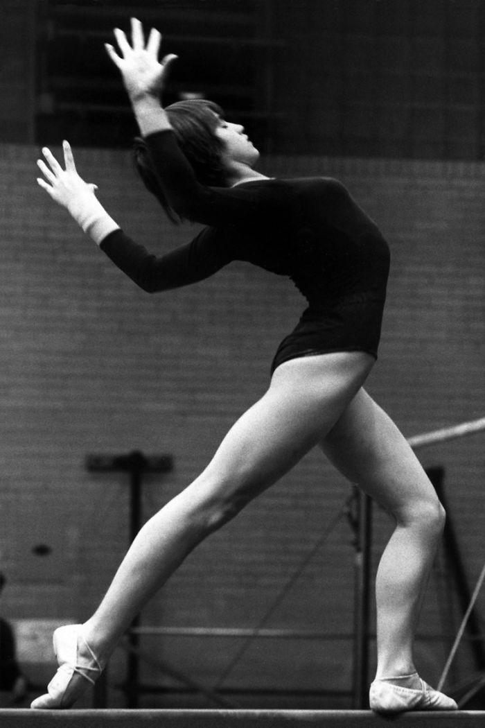 17 Nadia Comaneci First Women Score Perfect 10 Gymnastics Olympic