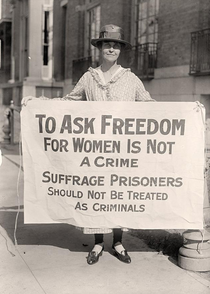 20 Mary Winsor Holding Suffrage Prisoners Banner Washington 1917