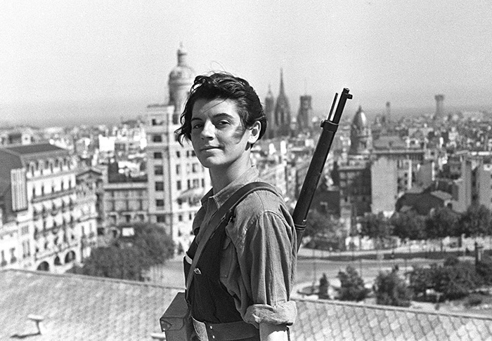 26 Marina Ginestà French Veteran Spanish Civil War. Her Most Famous Picture At Top Of Hotel Colón Barcelona 1936