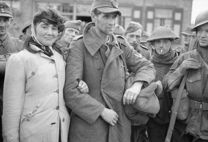 56 Among Prisoners Dutch Woman With Husband German Solder She Refused To Leave 1944