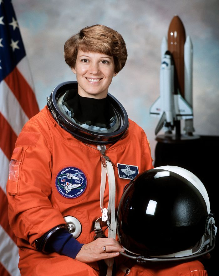 64 Commander Eileen Collins First Space Shuttle Pilot Mission Commander