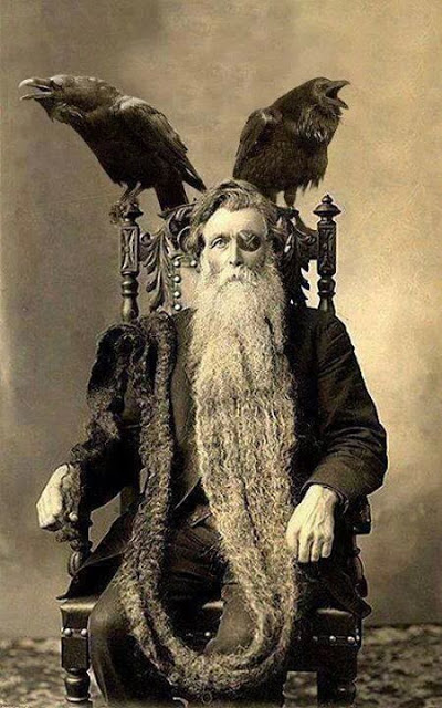 Long Beards in the Past (11)