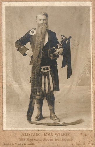 Long Beards in the Past (13)