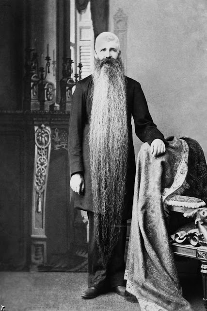 Long Beards in the Past (16)