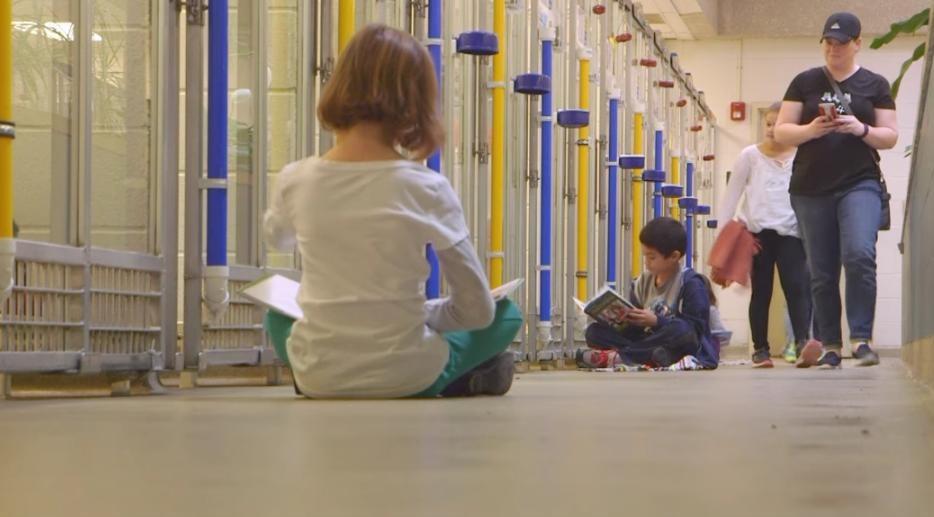 kids-read-shelter-dogs-human-society-of-missouri-4