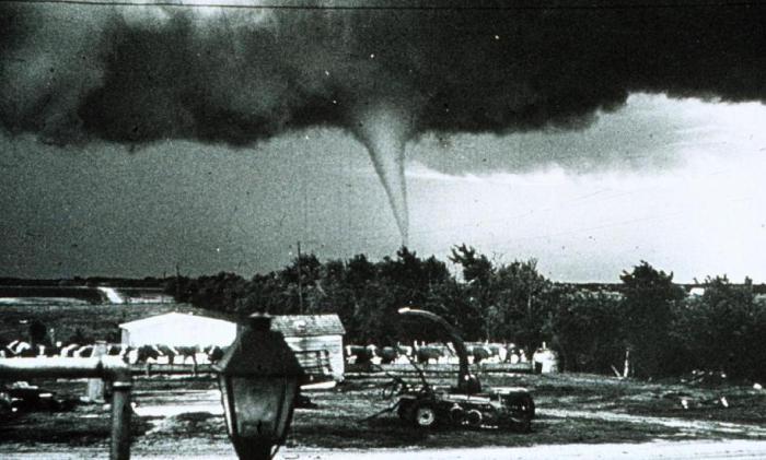 tornado-0