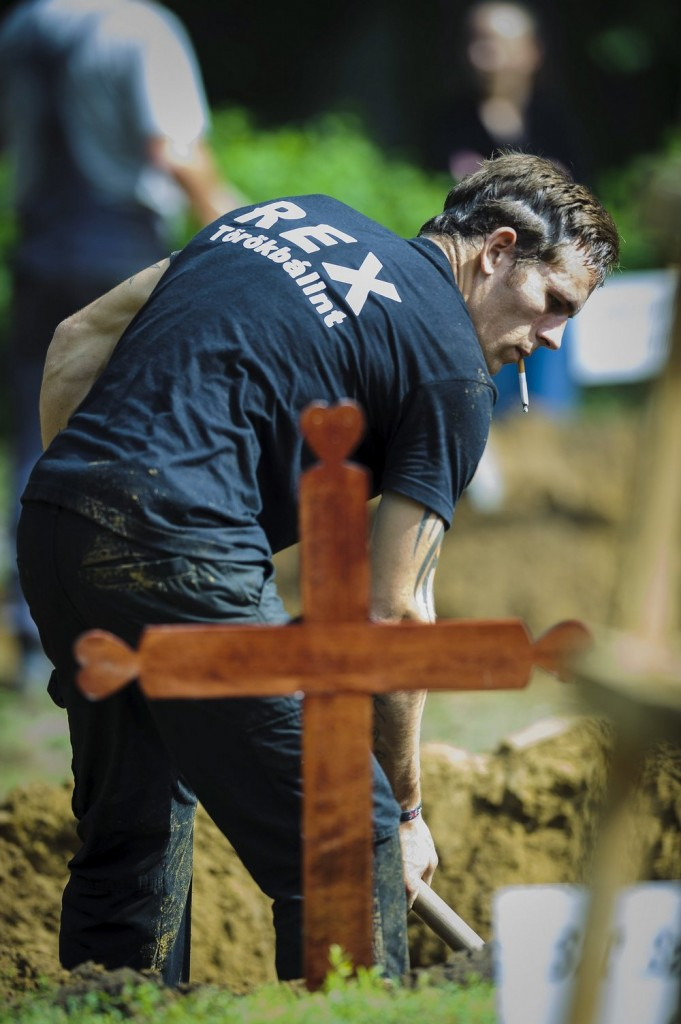 Hungary Grave Diggers'  Race