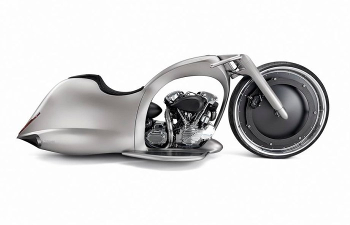 700_akrapovic_full_moon_