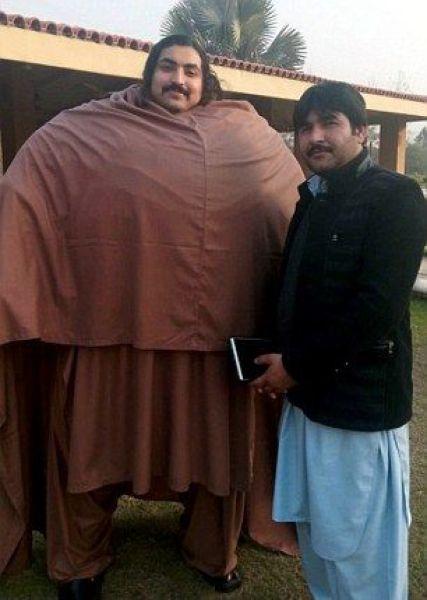 vesom-gigant-pakistanskiy-eto-interesno-poznavatelno-kartinki_2099596372